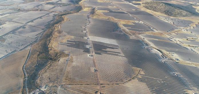 Suntech-supplies-100MW-sola